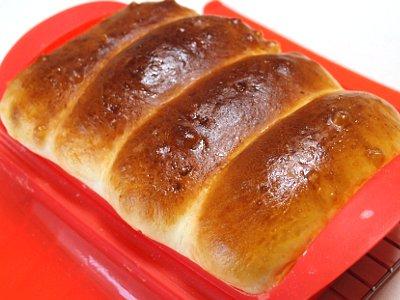 Lekue (ルクエ) スチームケースで枝豆ロールパン